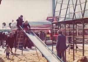 Pretparknostalgie - Ik op de glijbaan voor de Zeppelin in Slagharen